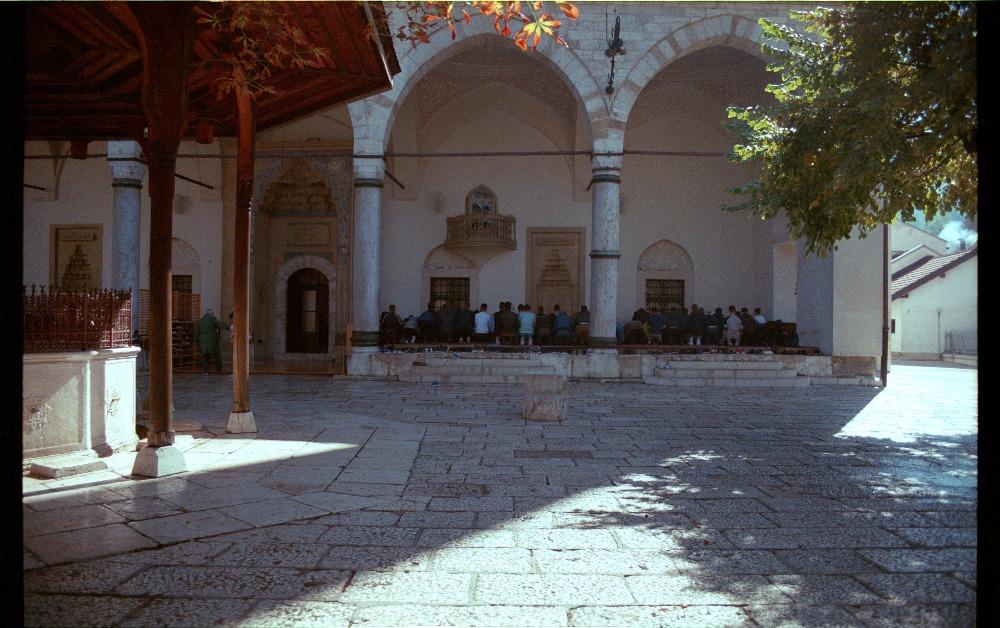 Bůh a lidé na bosenské cestě