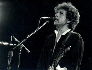 Bob Dylan vs. Nobelova cena za literaturu 2016