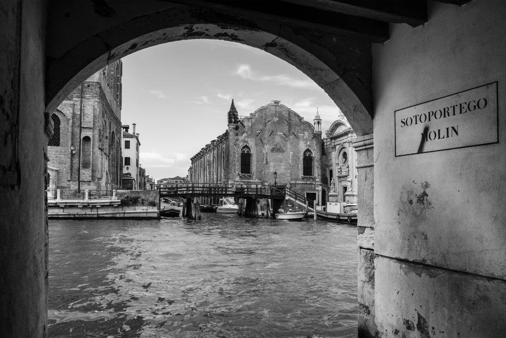Benátský chodec (báseň o čtyřech zvukových obrazech)