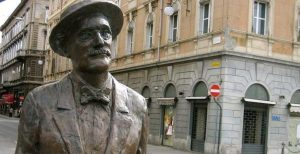 statue of james joyce in trieste_1_0